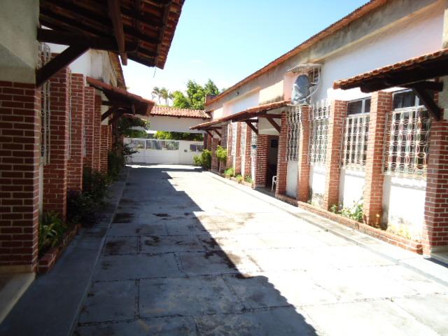 ALUGUEL ANUAL – 1 QUARTO – CABO FRIO-RJ.