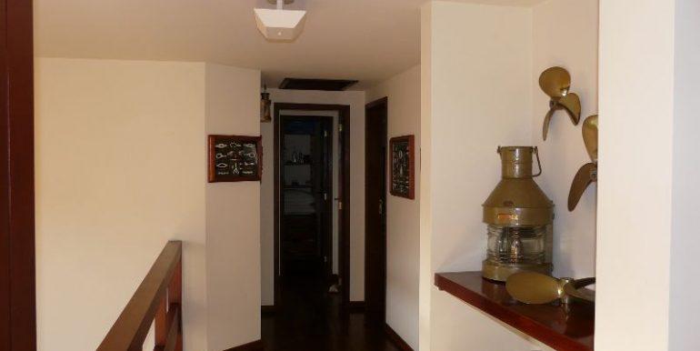 corredor para suites do 2o pavimento